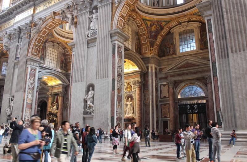 Vatican Dress Code, Tourists Inside